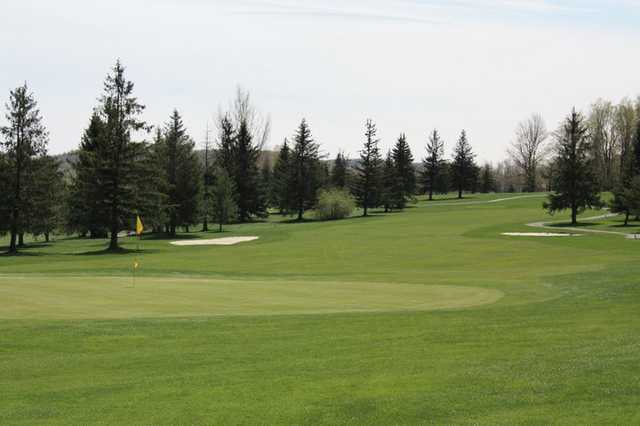 Panorama Golf Course in Forest City