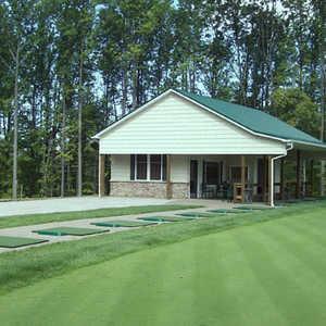 Whispering Woods GC: Practice range
